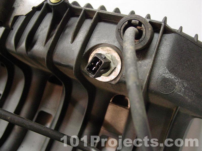 BMW E36 3-Series Intake Manifold Removal (1992 - 1999